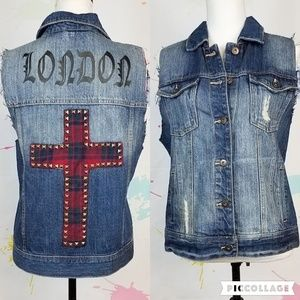FOREVER 21 Distressed Denim Jean Vest Women's M